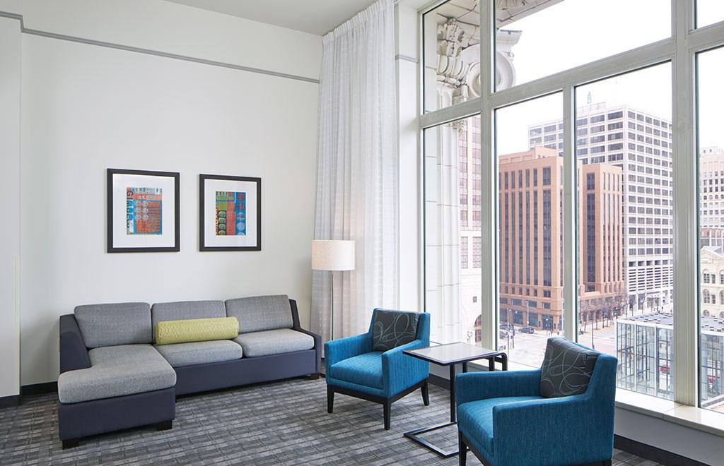 Residence Inn Milwaukee Downtown One Bedroom Suite