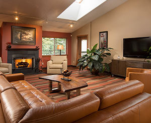 Creekside Apartments - Lounge