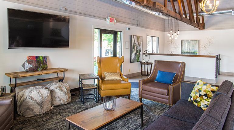 Lancaster Village Apartments - Lounge