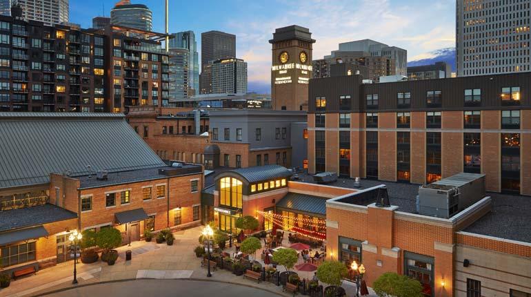 Renaissance Minneapolis Hotel, The Depot Exterior and Patio