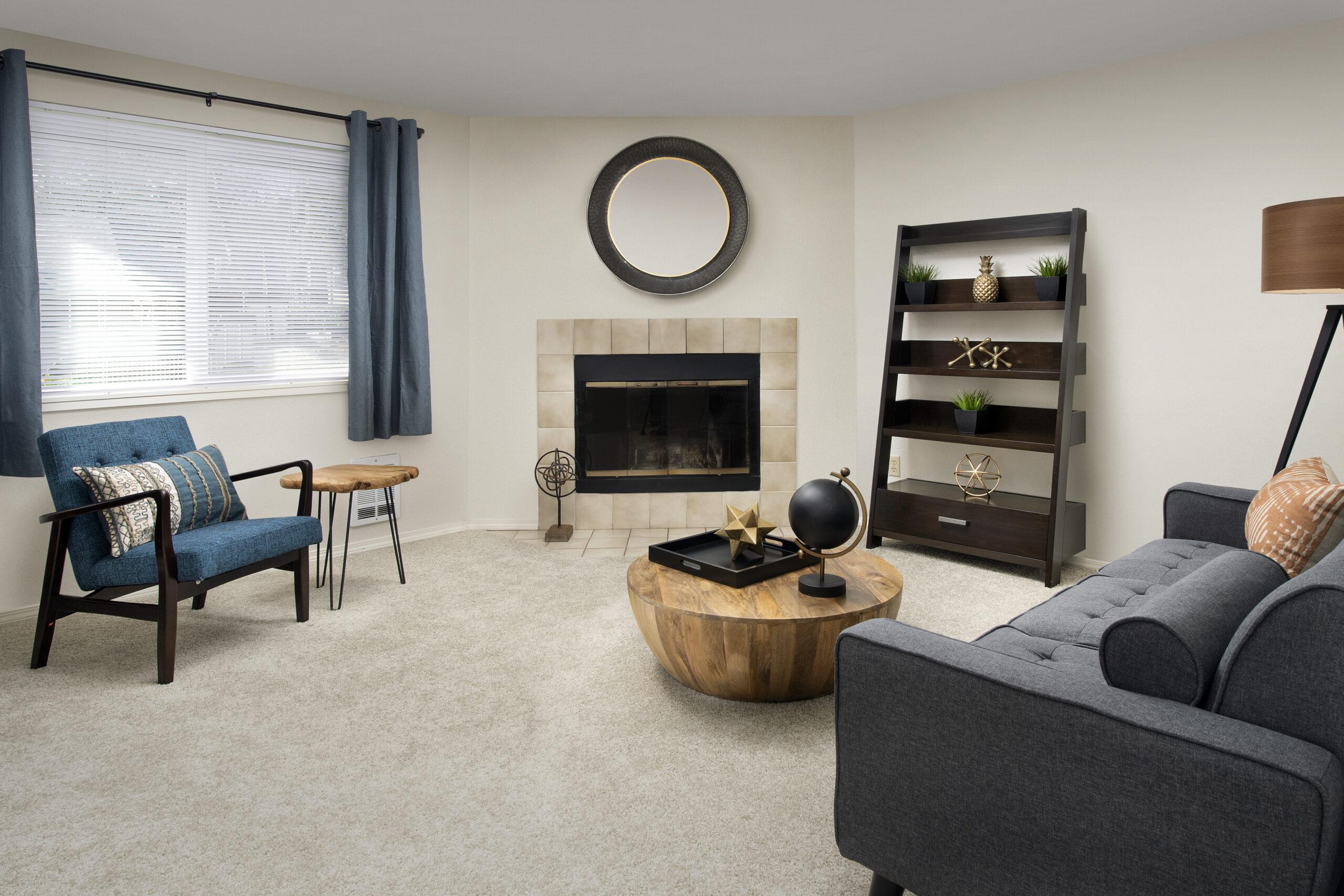 Creekside Apartments - Living Room